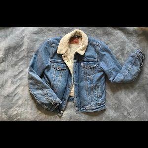 Levi sherpa collar denim jacket